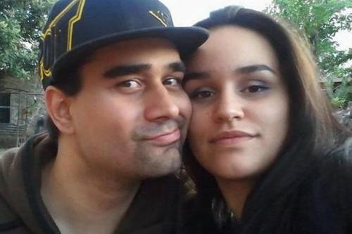 """Trước đó, vào tháng 8, bạn bè củaDerek Medina (31 tuổi ở Mỹ) xôn xao khi anh này""""Tôi sẽ ngồi tù và bị tử hình vì giết vợ tôi. Yêu và nhớ các bạn. Mọi người hãy để ý đến Facebook, các bạn sẽ nhìn thấy tôi trên các bản tin""""."""