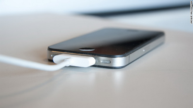 Nguy cơ gì khi nghe điện thoại di động đang sạc? Nh_p_s_ng_s_-eb5658d715372be00d95c0c28ef3c92d