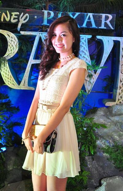 Buổi ra mắt ngoài Hà Nội có sự tham gia của Top 5 Hoa hậu Việt Nam 2008 Đậu Thị Hồng Phúc.