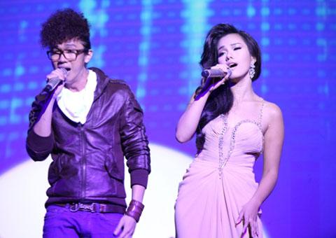 """Phương Vy cùng song ca với cậu em Minxu Quốc Minh qua một ca khúc quen thuộc của nhạc sĩ Y Vân mang tên """"Ngày em đến"""" theo phong cách funky sôi động."""