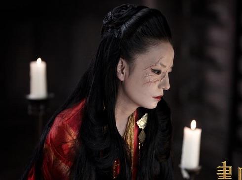 Khi hoán đổi thân xác với Tiểu Duy, Tĩnh công chúa của Triệu Vy trở thành người đàn bà hiểm ác, dùng mọi thủ đoạn để níu giữ người tình trong mộng là tướng quân Hắc Tâm (Trần Khôn).
