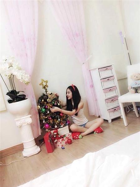 Angela Phương Trinh đón Giáng Sinh sớm tại nhà - 3