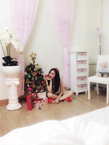 Angela Phương Trinh đón Giáng Sinh sớm tại nhà - 4
