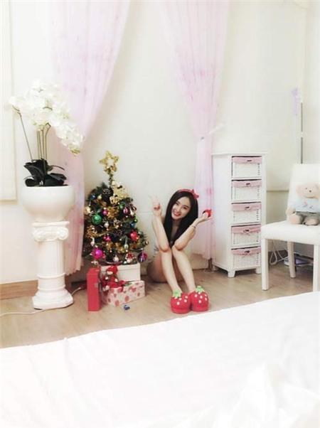 Angela Phương Trinh đón Giáng Sinh sớm tại nhà - 5