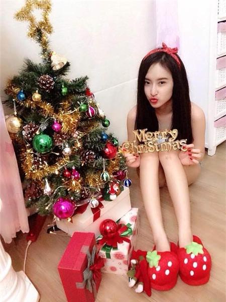 Angela Phương Trinh đón Giáng Sinh sớm tại nhà - 6