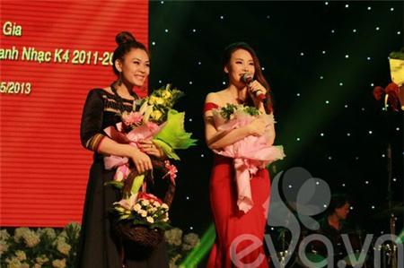 Hồ Quỳnh Hương bất ngờ thi tốt nghiệp đại học - 13