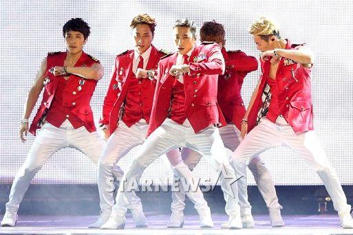 Fan 'cuồng' của EXO bị đài truyền hình tẩy chay