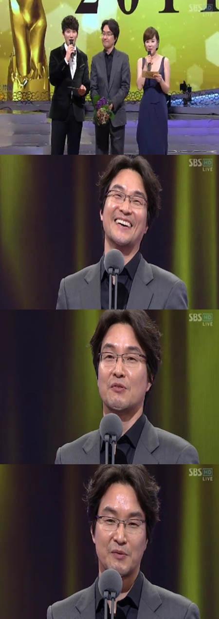 Lee Min Ho lập hattrick tại SBS Drama Awards 2011