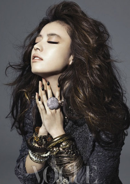 """Người đẹp """"Đông Yi"""": Lúc dịu dàng, khi dữ dội…"""