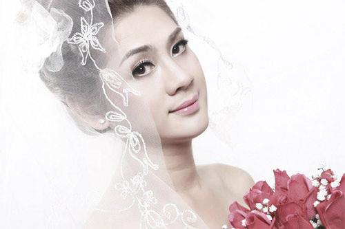 Lâm Chí Khanh đẹp dịu dàng