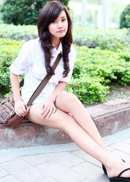 Ho girl Midu với vẻ đẹp trong sáng và tinh khôi thường thấy.