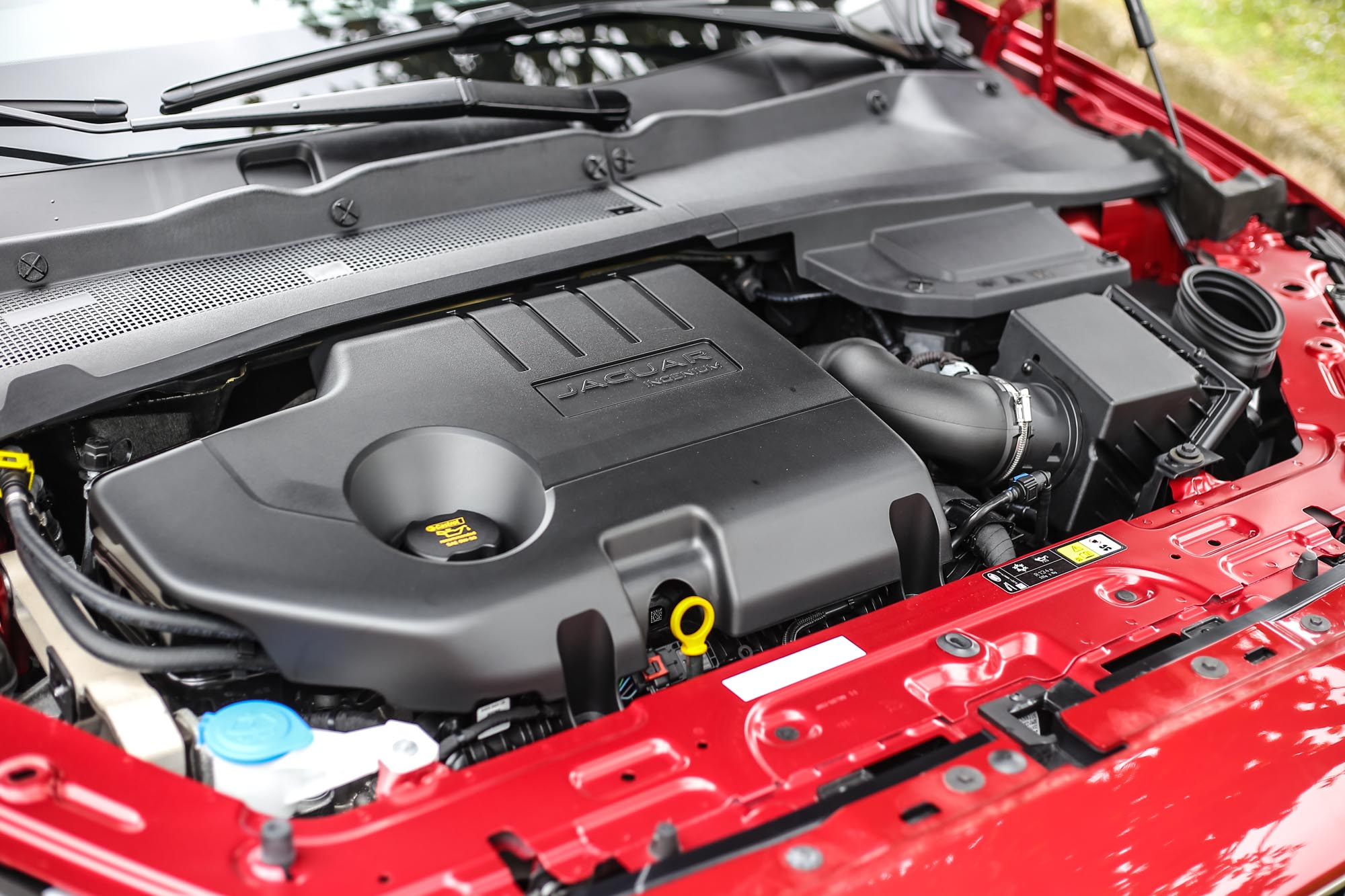 D150車型搭載2.0升柴油引擎,具備150ps/3500rpm最大馬力與380kgm/1750rpm最大扭力輸出。