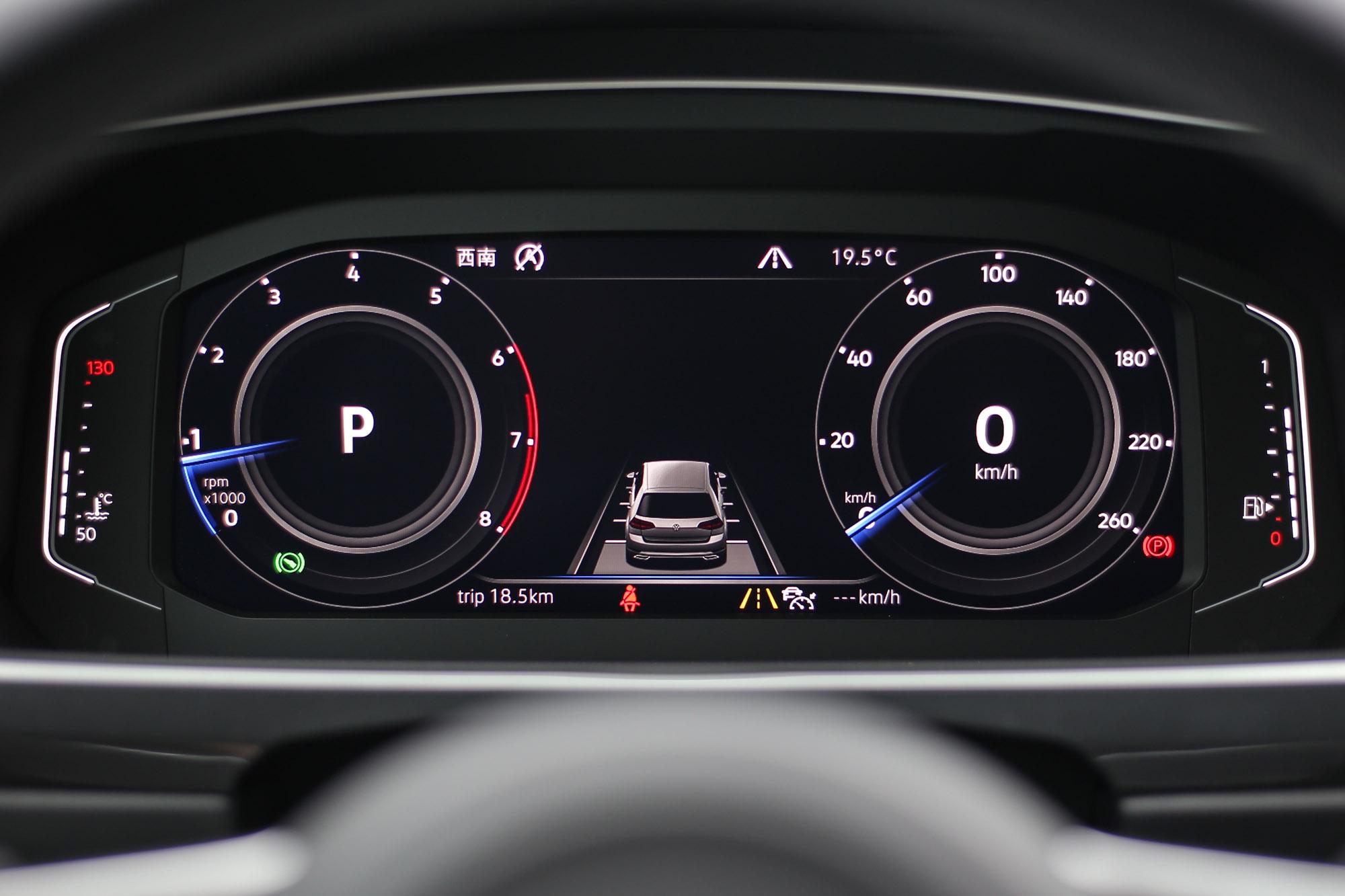 10.25吋全邏輯數位化儀表為330 TSI以上車型標配。