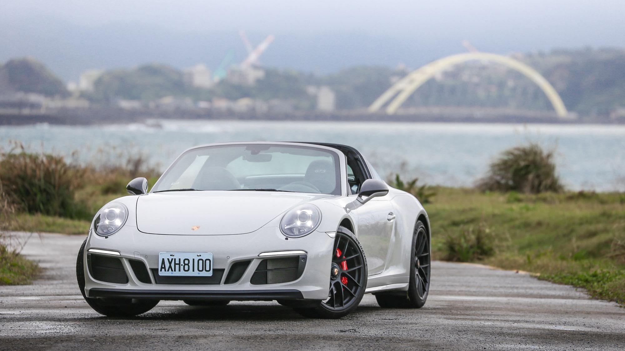 打破時間規則 Porsche 911 Targa 4 GTS 讓理性與感性完美融合