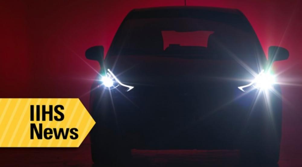 在美國大約有一半的死亡車禍發生在夜晚之中,更有超過四分之一是發生在沒有路燈的路段上,因此頭燈在預防夜間事故時扮演了重要的角色。