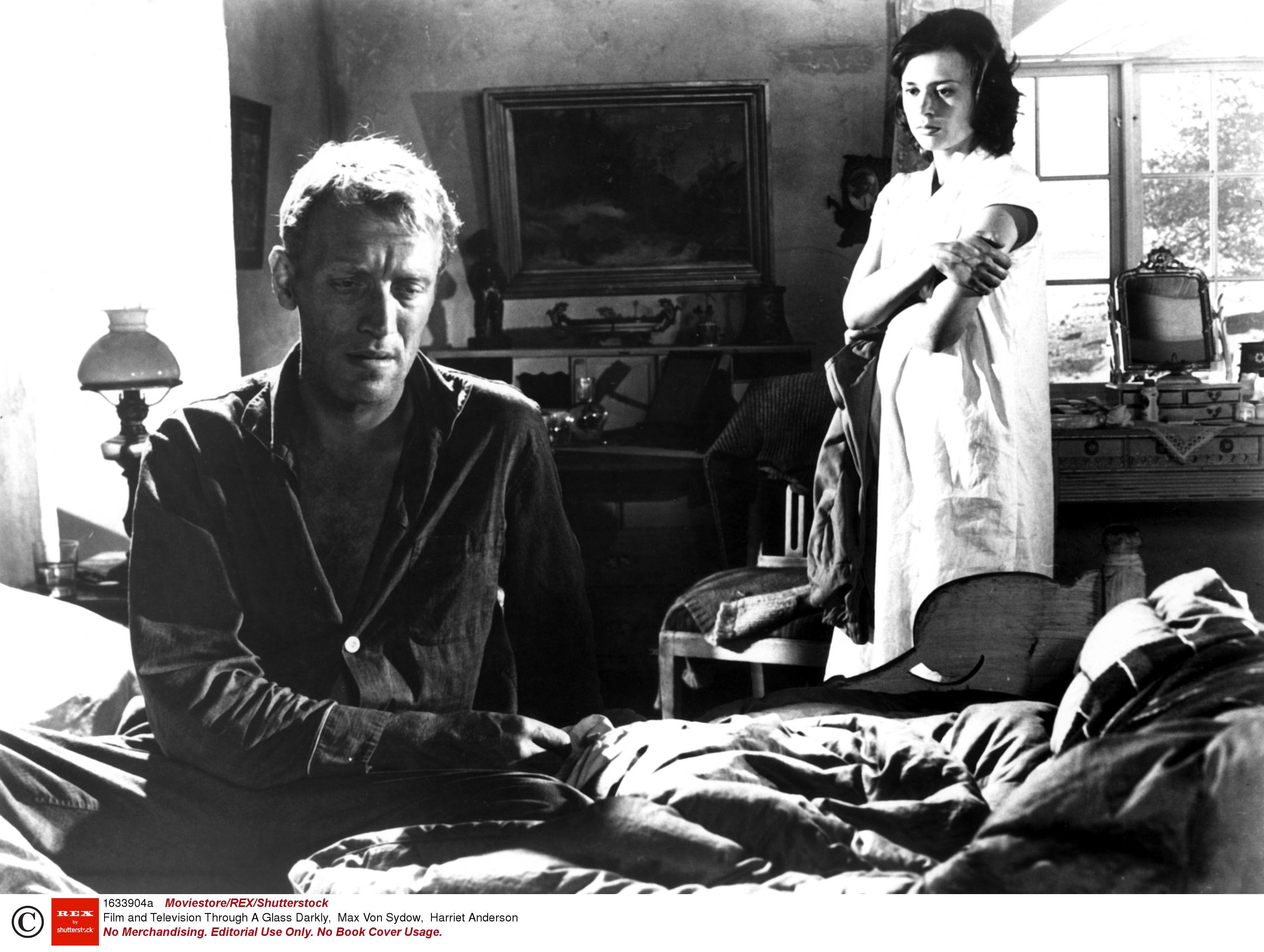 《穿過黑暗的玻璃》,1961。