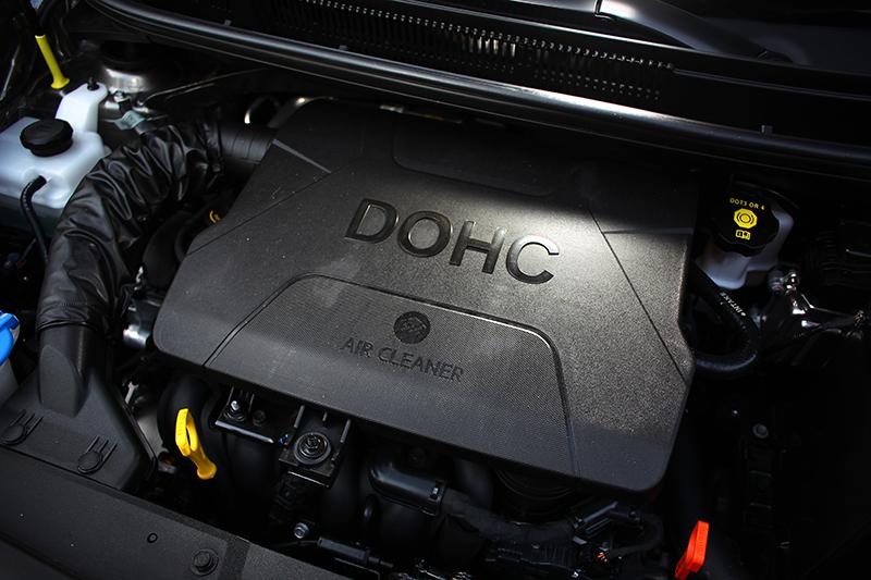 84hp與12.4kg-m輸出的1248c.c.直列四缸自然進氣引擎當然不算強悍,但低速域表現卻輕快流暢。