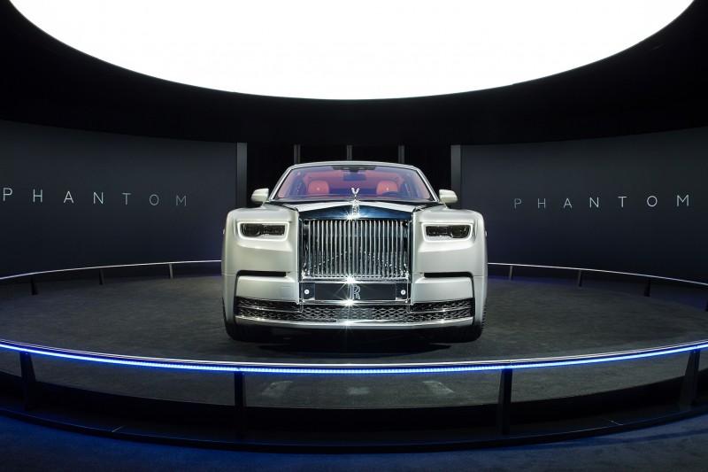 受Rolls-Royce台灣總代理盛惟之邀請,前往日本東京參與第八代Phantom預覽活動,不過因禁止攜帶攝影器材,因此所有圖片皆為原廠提供。