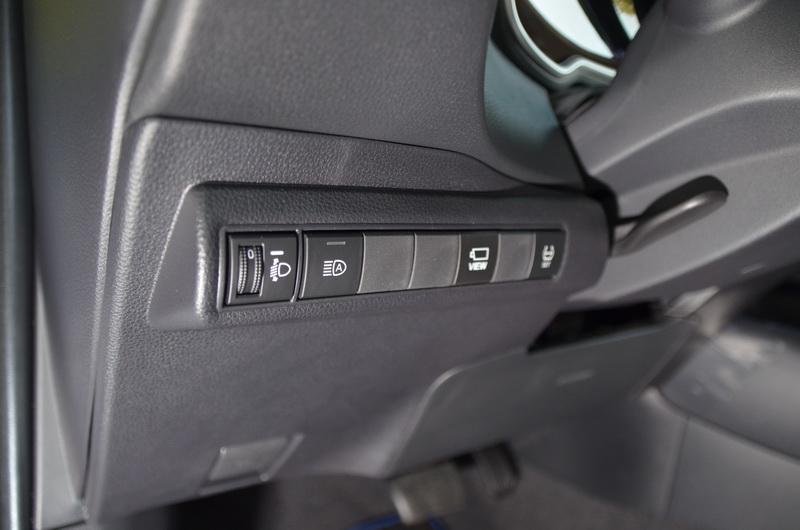 PVM環景系統可透過駕駛座左側的獨立按鍵啟動