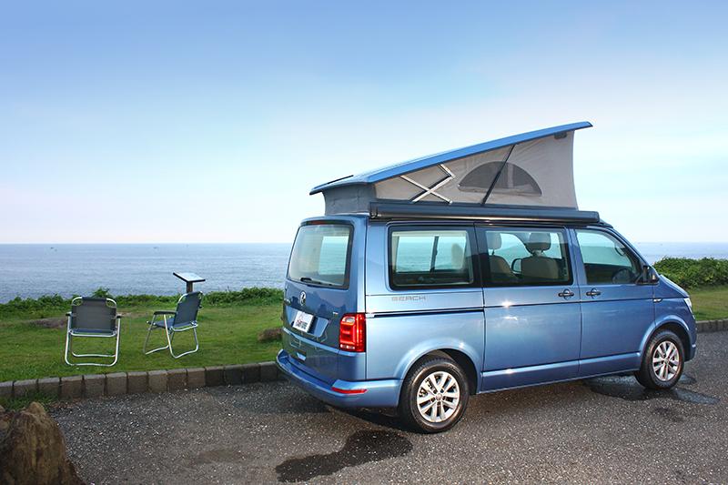 將車頂帳推起,把折疊椅自尾門夾層拉出,開始有了露營的fu了吧?