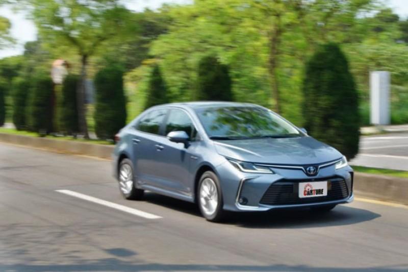 在電動馬達的助推功能下其加速感受甚至超越2.0升車款