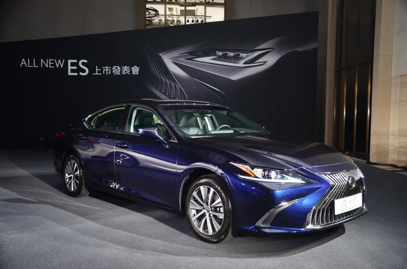 外觀承襲Lexus新世代設計元素,Coupe般的跑車輪廓呈現極為大膽的前衛設計