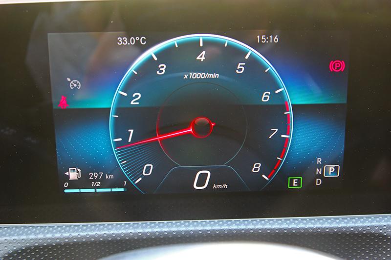 A200雖標配為7吋儀表,但仍有多種顯示介面。