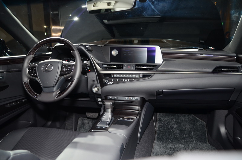 Seat in Control座艙設計概念,以駕駛為中心的駕駛座並帶來寬闊的前乘客座空間