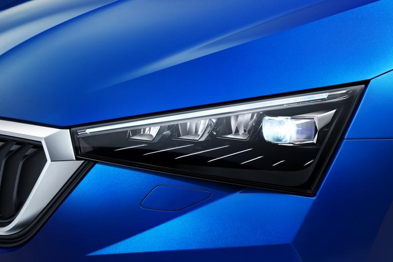 頭尾燈皆配置LED光源。
