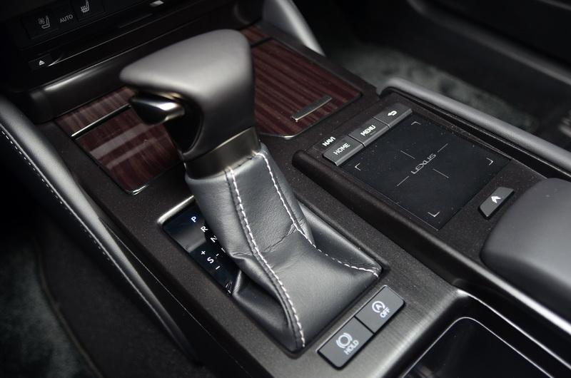 Direct Shift 8速手自排變速箱更為直接的加速反應,有效提升駕駛的操駕樂趣