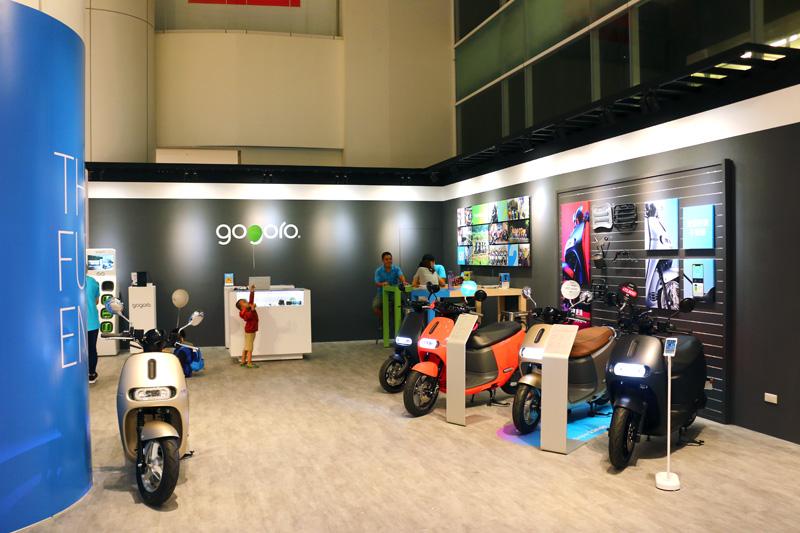 Gogoro新月門市就設置在宜蘭新月廣場購物中心內。