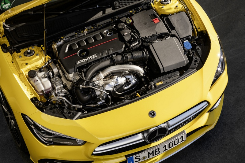 CLA 35搭載一具2.0升渦輪引擎,具有306hp最大馬力。