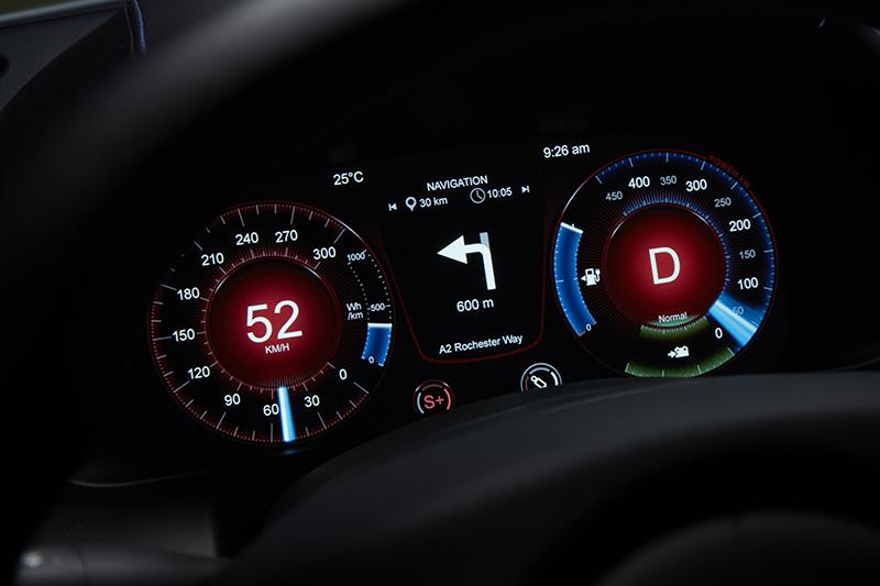 從10吋數位儀表可以掌握電量、導航等各種資訊。