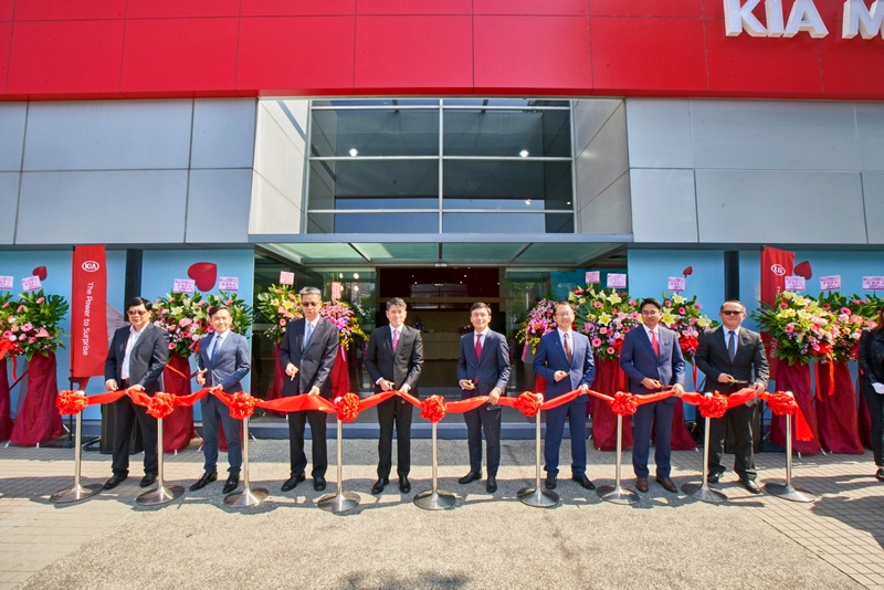 佔地700坪,全台最大Kia 3S高雄民族旗艦展示中心與服務據點開幕。