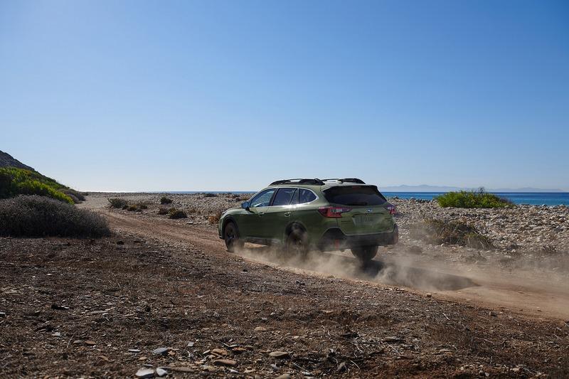 Outback提供2.5升自然進氣與2.4升渦輪引擎兩種規格。