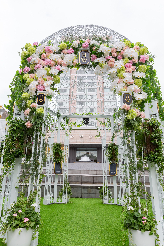 台北晶華酒店 x Harry Winston打造絕美夢幻「戶外證婚亭」