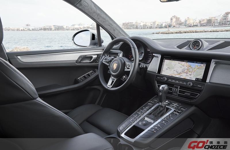 Porsche Macan-7