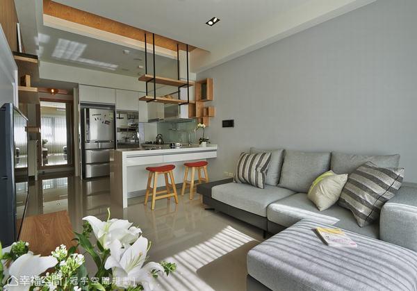 小坪數的生活格局,採用日本小戶型居所常用的客廳(Living),用餐(Dining)和廚房(Kitchen),ldk整合概念規劃起區空間。