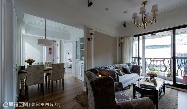 動線上的餐區倚牆而設,與客廳主牆恰成虛實對應,也增加空間層次感。