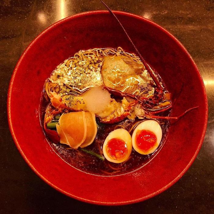 龍蝦醬油拉麵