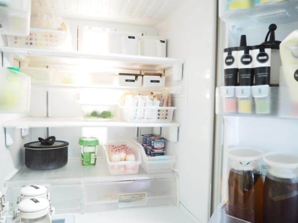 整理得井然有序的冰箱裡頭