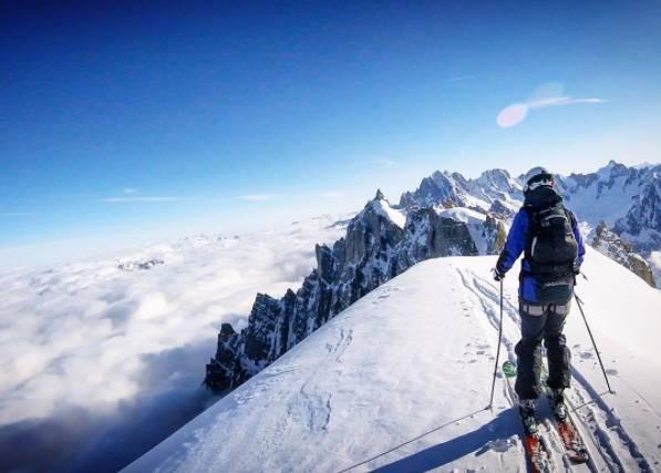 白 朗 峰 山 上 的 美 麗 雲 海 www.chamonix.com