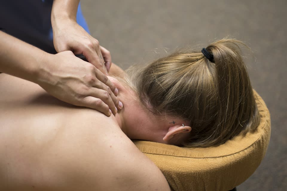 massage 圖片來源:pixabay https://goo.gl/1q4CCS