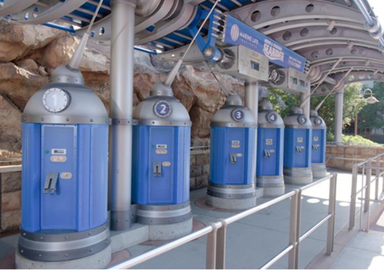 快速通行券發券所 (C)Disney / Pixar
