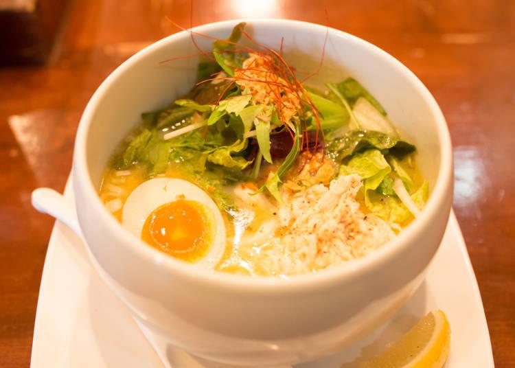▲雞白湯鹽味拉麵 880日圓(含稅)