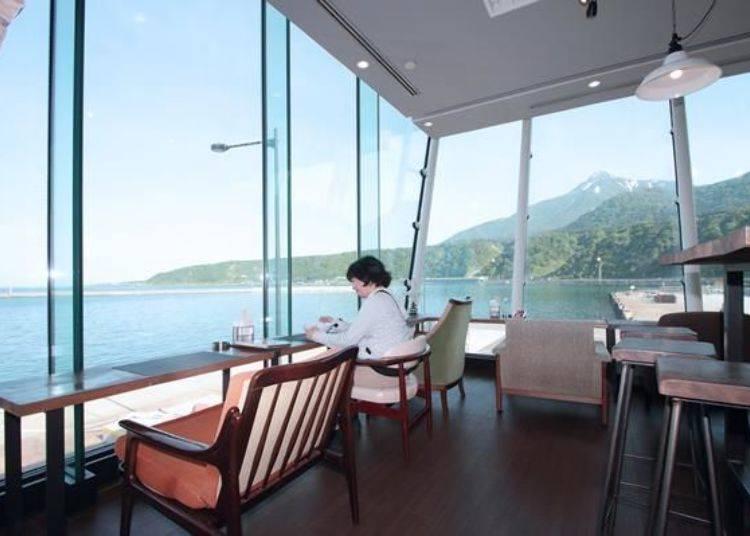 能夠一邊眺望這樣的絕景,一邊品嚐用利尻島新鮮食材所創作的美食,真是太幸福了!