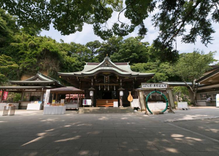 不同於熱鬧的江之島,神社的莊嚴氛圍讓人靜下心參拜