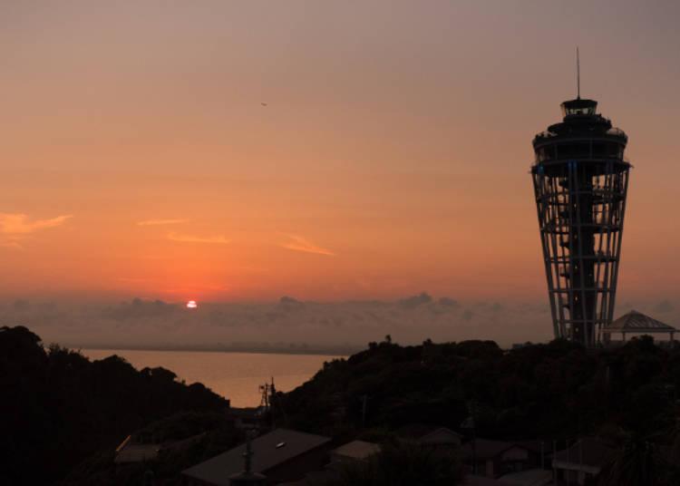 江之島海蠟燭與橘色夕陽