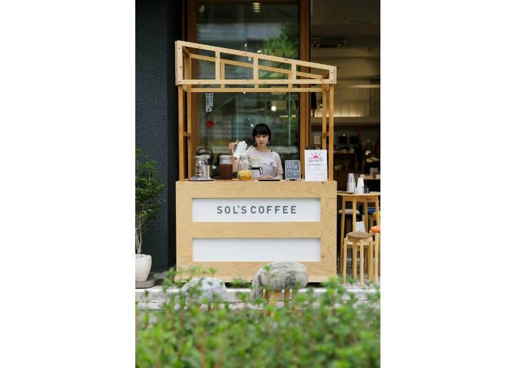 早上8點~11點在店家前設立的「早晨咖啡」攤位