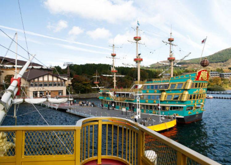 ▲停靠在桃源台港的是前一班船,正為下次的出航在做準備